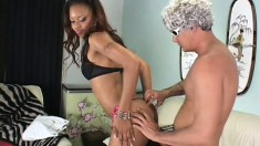 A black babe wants to have her sphincter stuffed with white meat