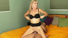 Wild mom Jessica gets nailed by a younger guy and swallows his juices